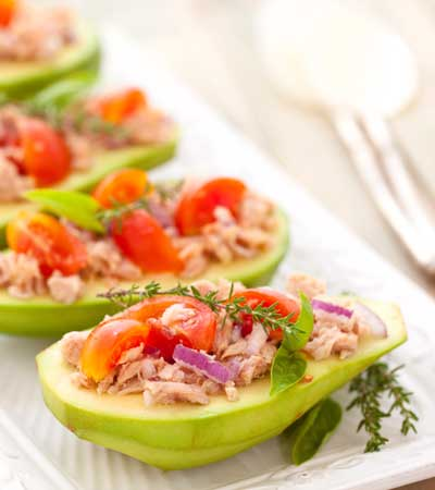 Thunfisch in Avocado Boote
