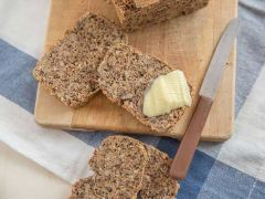 Kerniges Low Carb Brot