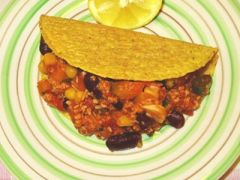 Low Carb Hähnchen Chili Con Carne in Tacos