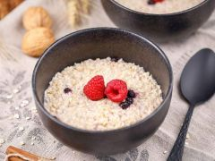 Low Carb Porridge mit Walnüssen
