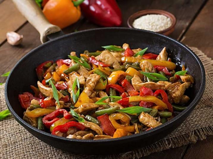 Asiatische Hähnchen-Paprika Pfanne