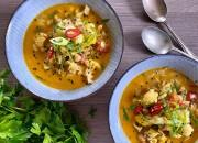 Blumenkohl-Curry mit Paprika und Chili