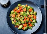 Brokkoli-Salat nach asiatischer Art