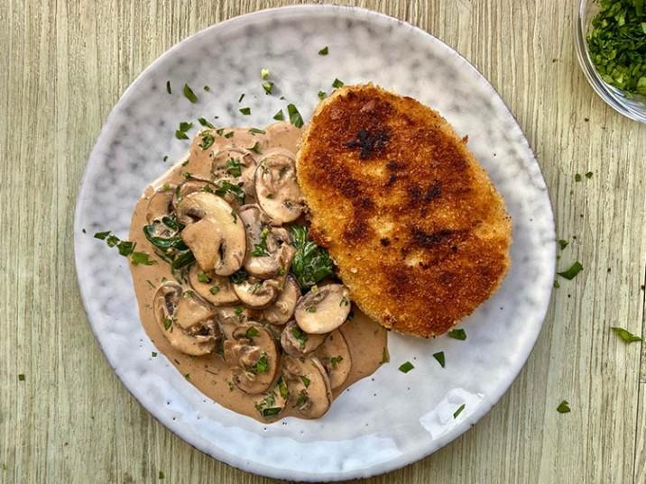 Champignon-Spinat-Pfanne mit Schnitzel