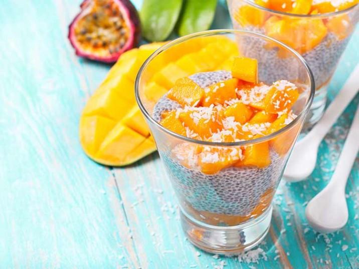 Chia-Pudding mit Mango und Maracuja