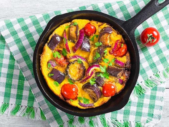 Frittata mit Aubergine und Tomaten