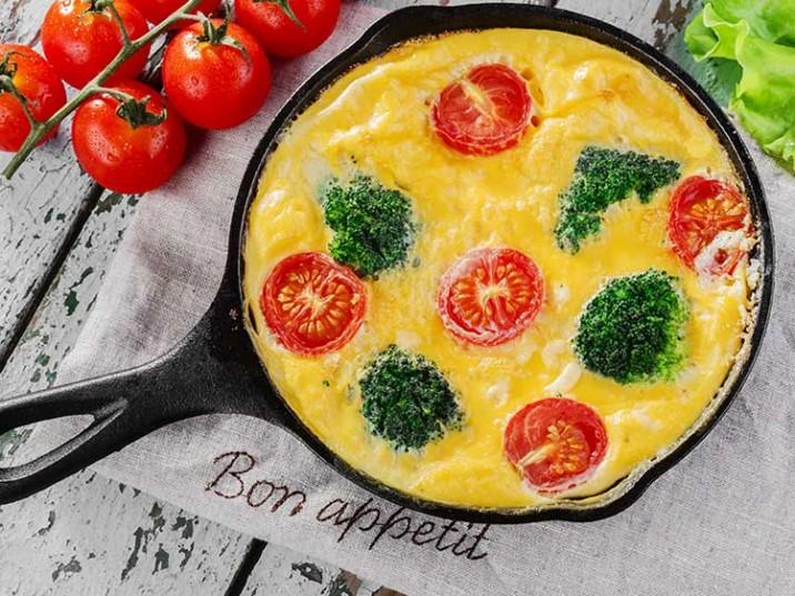 Frittata mit Brokkoli und Cherrytomaten
