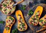 Gebackerner Kürbis mit Quinoa und Kichererbsen