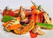 Gegrillte Hähnchenbrust mit Gemüse