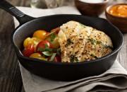 Gegrillter Kabeljau mit Tomatensalat und Kräutern