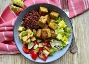Gemüse Bowl mit Quinoa und Kofu
