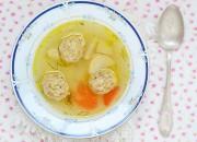 Gemüsesuppe mit Hähnchen Klöße