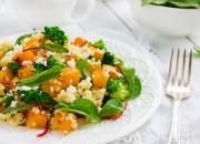 Kürbis mit Couscous, Brokkoli und Feta