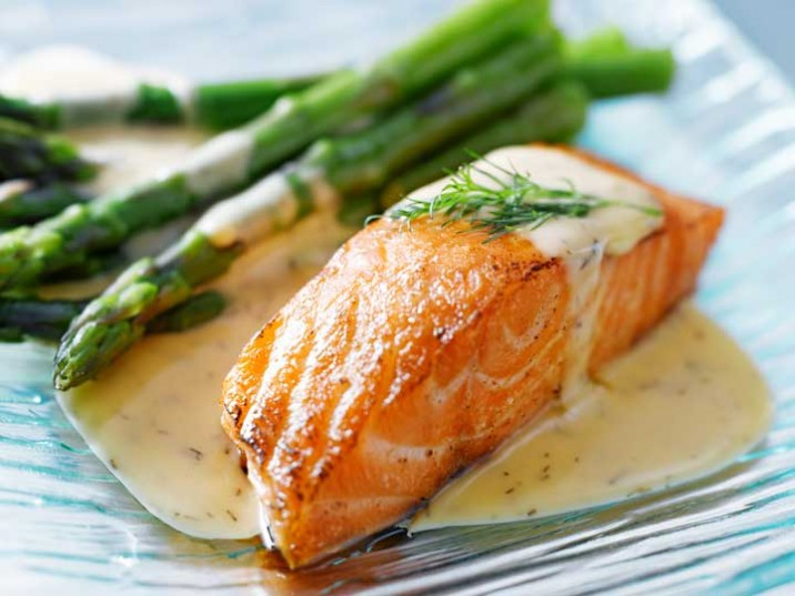 Lachs An Spargel Mit Leckerer Senf Dill Sauce Lowcarbrezepteorg