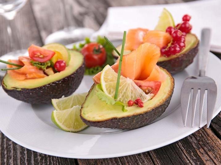 Lachsröllchen in Avocado