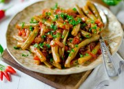 Libanesischer-Bohnen-Salat mit Tomate und Chili