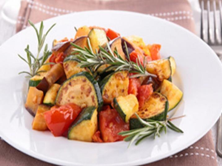 Low Carb Zucchini - Tomatensalat