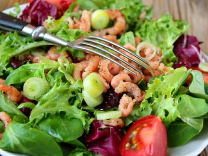 Low Carb Salat mit Flusskrebsen
