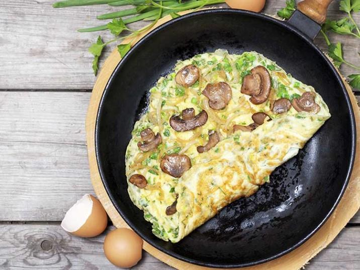 omelett mit pilzen und kr utern. Black Bedroom Furniture Sets. Home Design Ideas