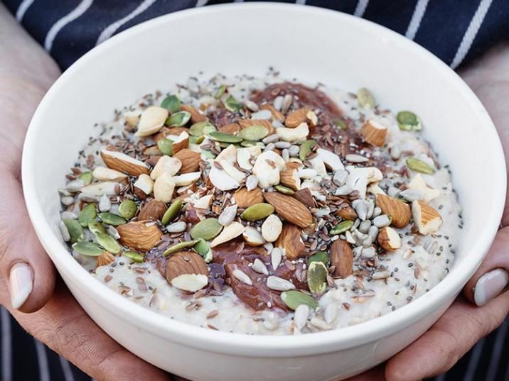 Porridge mit Nüssen