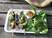 Rindfleischspieße mit Brokkoli