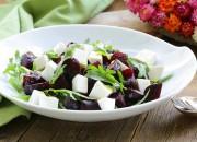 Rote Bete Salat mit Fetakäse und Rucola