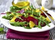 Rucola Salat mit Mangold, Rote Bete und Orangenfilets