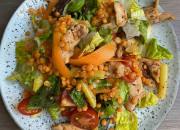 Salat mit Hähnchen und Bohnen