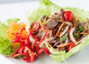 Scharfer Thai-Rindfleischsalat