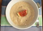 Sojajoghurt mit Feigen und Mandeln