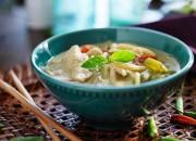 Thai Suppe mit Kokos und Hähnchenfleisch