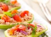 Thunfisch in Avocado Boote
