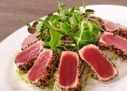 Thunfischfilet mit Konjak Nudeln und Salat