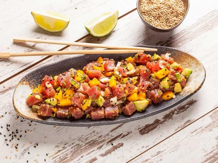 Thunfischsalat mit Avocado und Mango