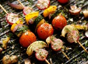 Vegane Gemüsespieße mit Kräutern