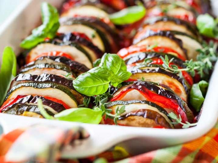 Vegetarischer Gemüseauflauf