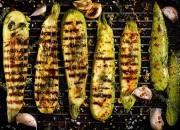 Würzige gegrillte Zucchini mit Kräutern