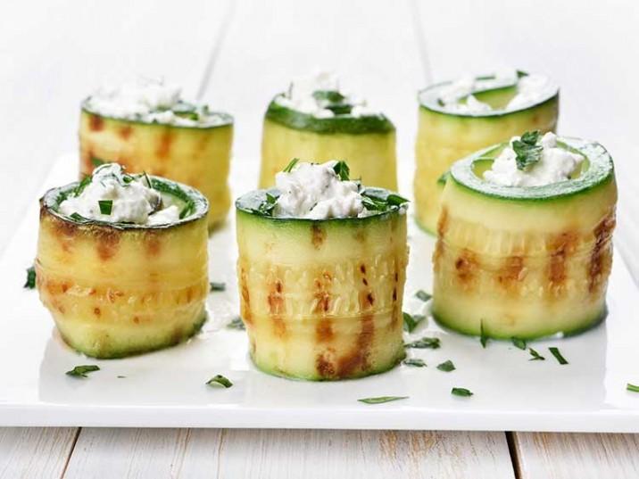 Zucchiniröllchen mit Ricotta-Parmesan-Füllung
